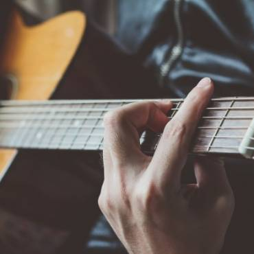 Cursuri de chitara clasica & chitara bass