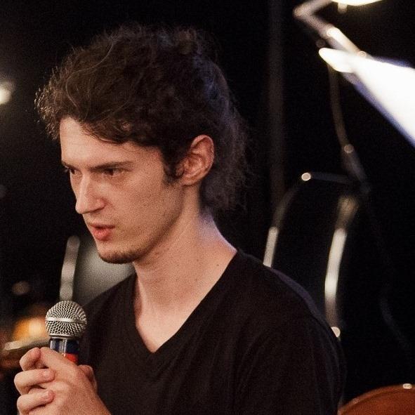 Lector Victor Filip - profesor Cursuri productie muzicala
